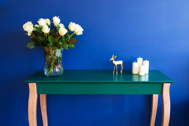 Wooden console table with colored top