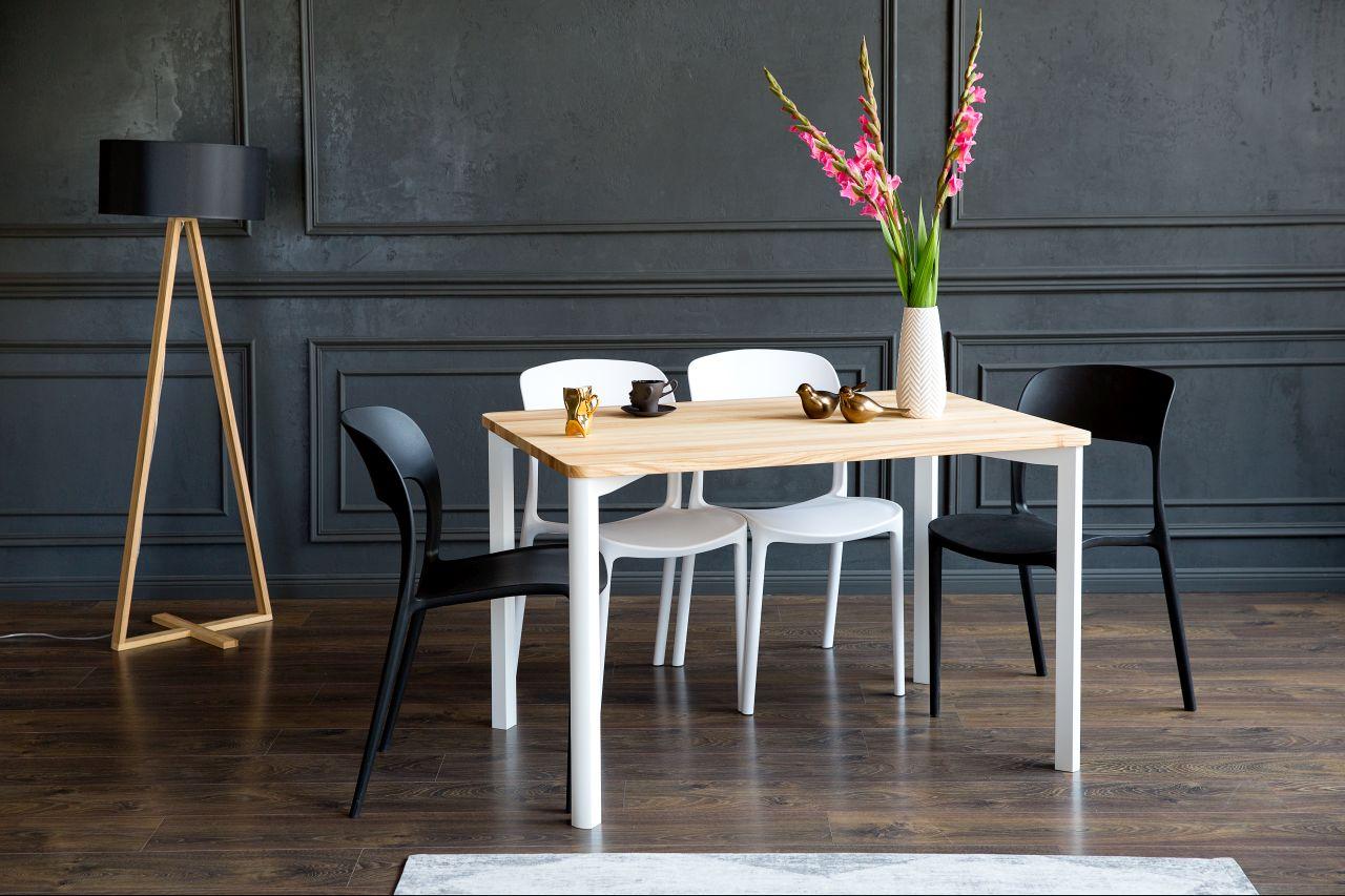 Drewniana Lampa Tales - Prostokątny Stół Triventi - białe i czarne Krzesła UFO - Aranżacja Sypialni
